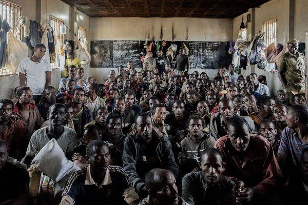 镜头下的非洲监狱:监狱简陋似无人看管,犯人最怕出狱