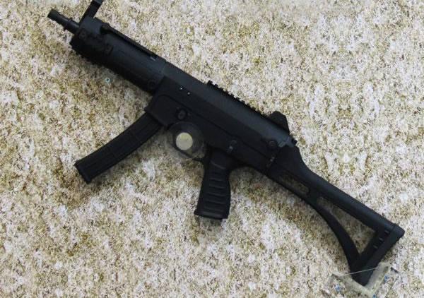 微型冲锋_中国lss-5 微型冲锋枪,体型和mp5相当,火力强于mp5
