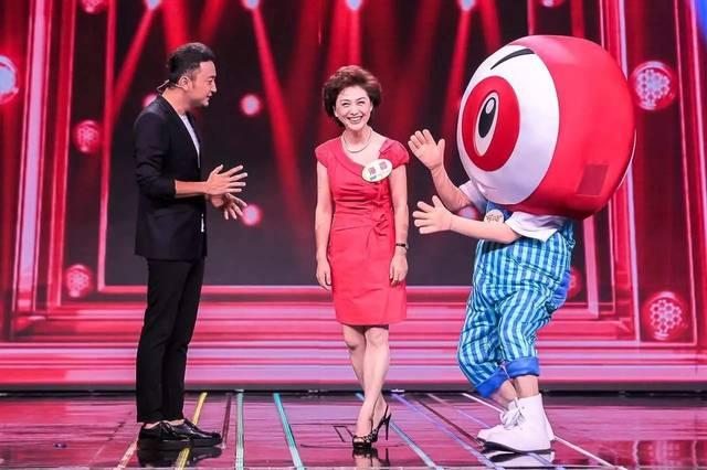 《新闻联播》主播康辉,海霞,刚强来挑战《开门大吉》啦!