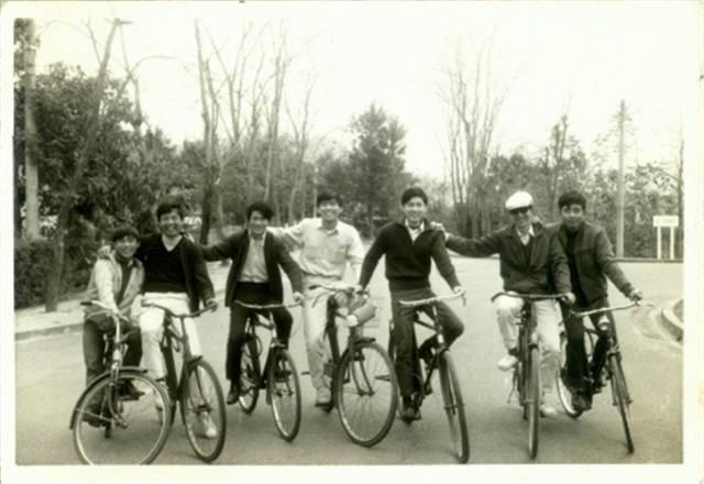 60—90年代的同学们看过来,回忆杀!还记得那些年你的大学装备吗?图片
