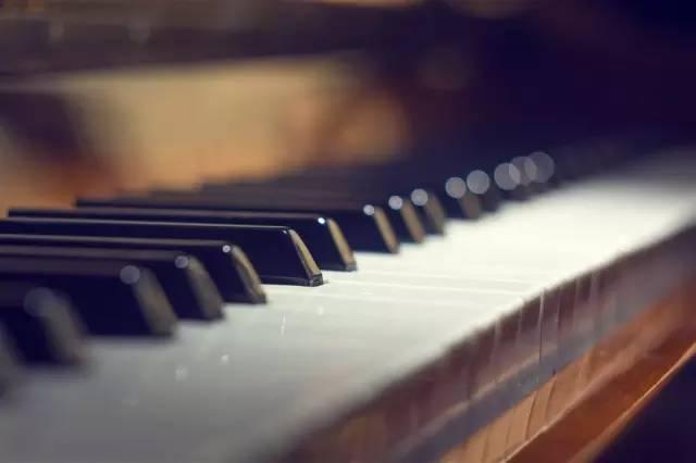 微课| 钢琴音乐基础实用乐理与视(弹)唱课堂图片