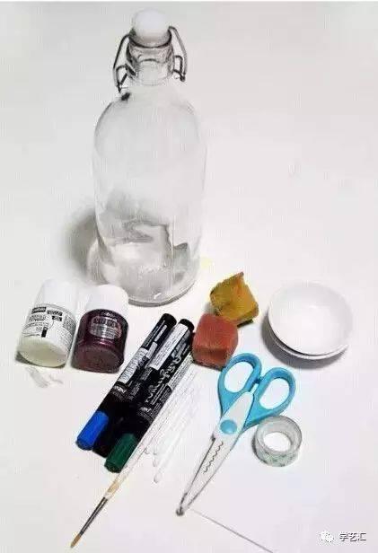 玻璃瓶,丙烯,马克笔,剪刀,海绵,棉签,胶带,纸,颜料盘等.图片