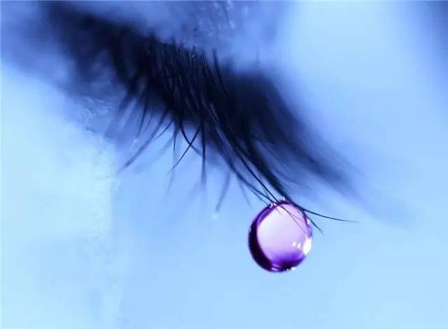 眼睛这么美,何必用来盛装泪水?
