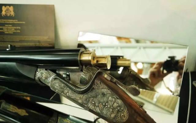 这款根本重达15千克,显然一般人猎枪是无福消受的.手把手教你淘5万自动挡的二手车图片