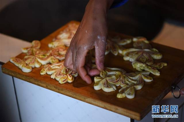土族家庭有中秋蒸制月饼的风俗 水族资讯 南昌水族馆第4张