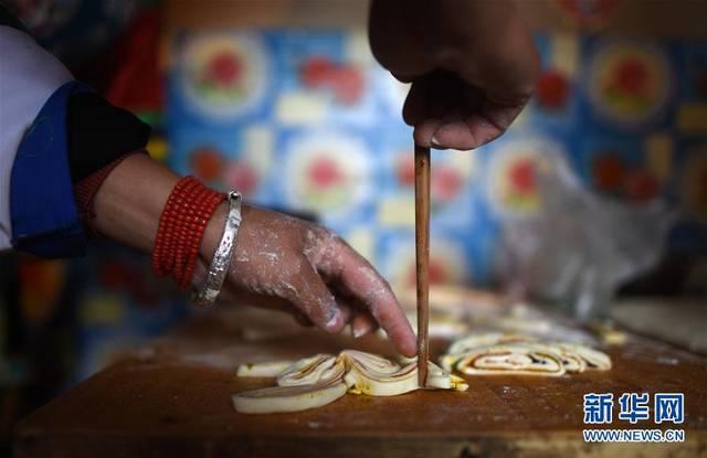 土族家庭有中秋蒸制月饼的风俗 水族资讯 南昌水族馆第5张