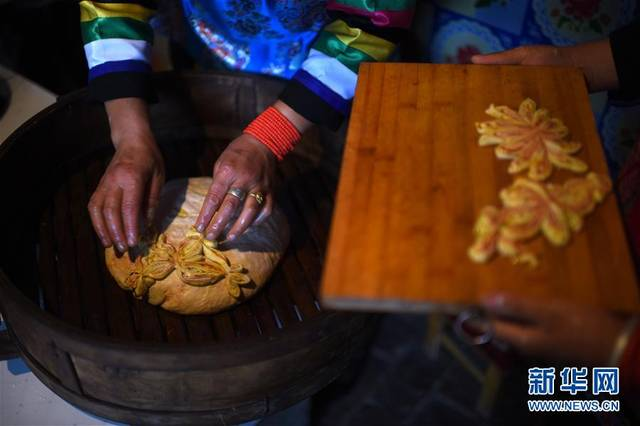 土族家庭有中秋蒸制月饼的风俗 水族资讯 南昌水族馆第2张