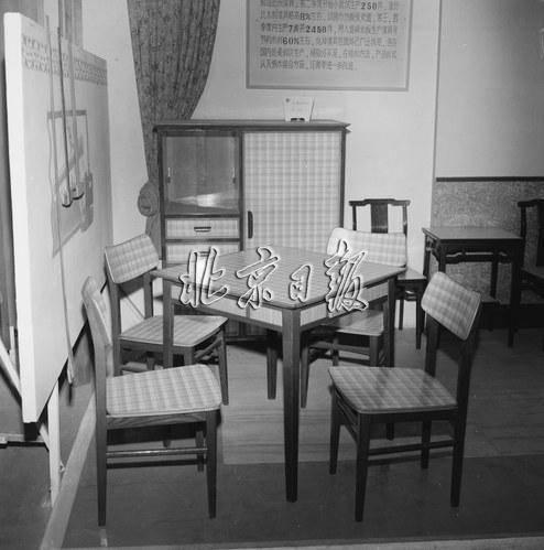 电视柜、组合柜、地板革、转角沙发…您还记得这些老家具的故事吗