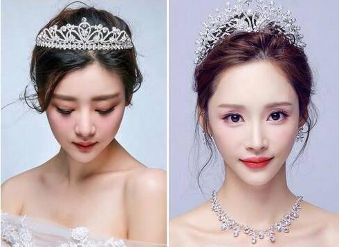 将短发精致的盘于脑后,这样既优雅又简洁,佩上皇冠或者披上头纱,带有