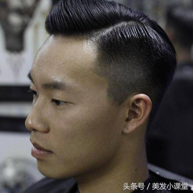 两边剃段头顶烫的背头_复古油头,背头,侧分男士背头,你要的男生发型都收集了