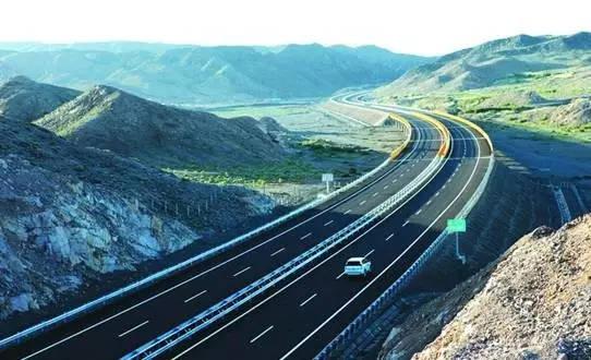 内蒙古和新疆哪的人口多_内蒙古阿尔山人口分布(2)