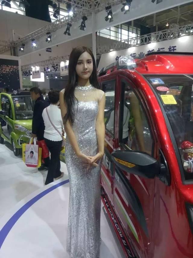 南京展的车模情趣,一个比一个有美女!orraine情趣内衣图片