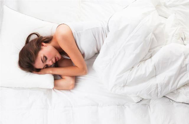 腰疼睡软床医生说该睡硬床到底硬床好还是软床好?