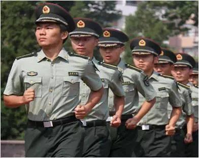 军人立定_清华特奖候选人丨李晨宁:学子,战士,强军人