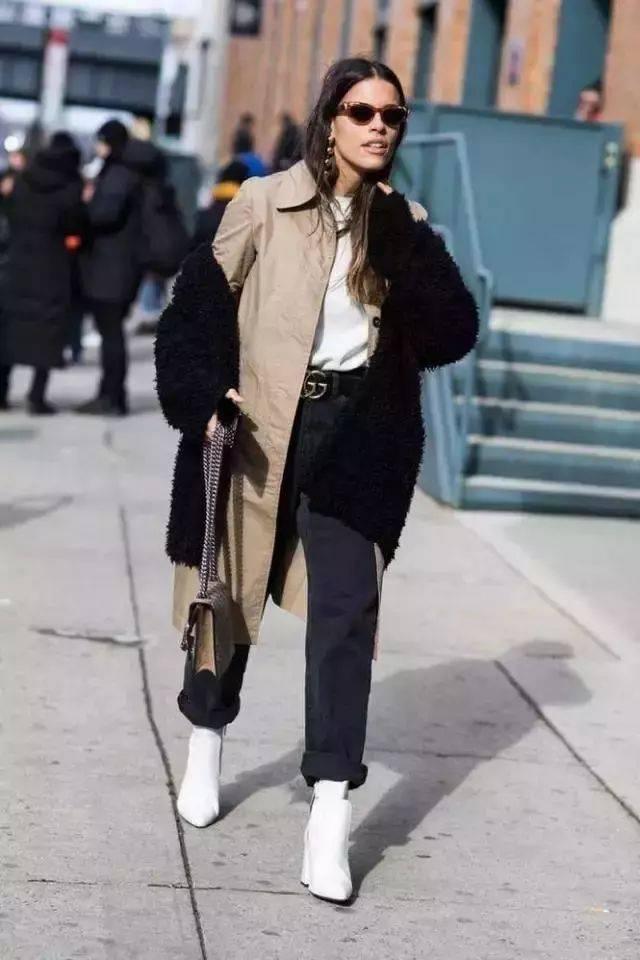 九分裤和短靴的搭配本身就比较简约,要是再穿上一件长款的外套,简约也图片