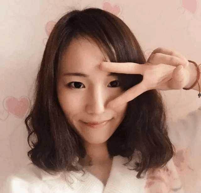 妈妈微信头像_不回江歌妈妈微信的刘鑫在大年初一换了微信头像,全家其乐融融的迎