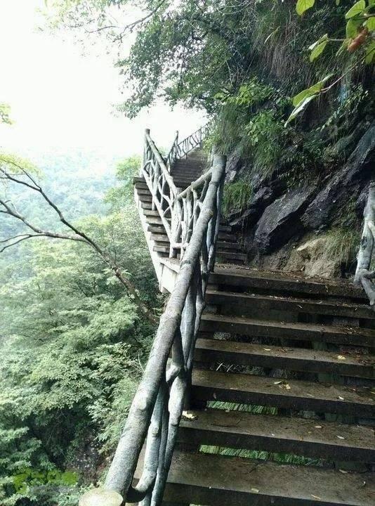 隐藏于水口峰林和阳石林之中,古道纵横,村村相通.