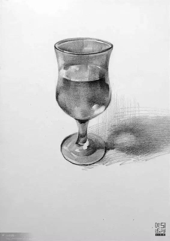 着重注意高脚杯的透光性,高光和反光是体现玻璃杯质感的关键所在.图片