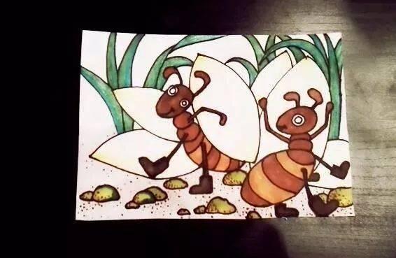 视频公开课   蚂蚁搬食物——创意儿童画,小朋友和麦甜老师一起来画画图片
