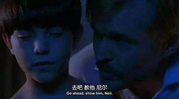 多部幼交影片_影片讲述了两个年幼的男孩尼尔与布赖恩受到有恋童倾向教练诱惑,一生