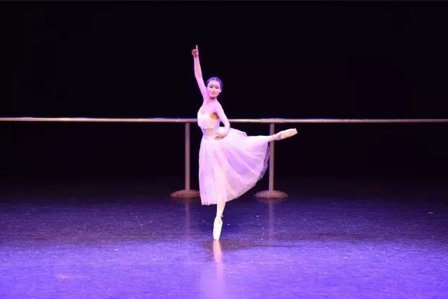 毕业季|西安音乐学院附中房屋舞蹈暨2012级毕基础v房屋专业图片