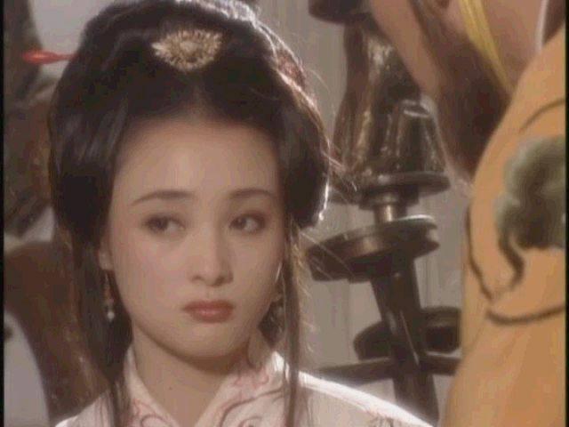 后来《还珠格格》第三部琼瑶又写了一个角色夏盈盈,终于等来了和图片