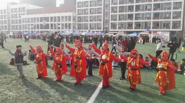 沐浴着冬日的暖阳郑州丽水外国语学校的操场上到处洋溢着浓浓的赵丽颖上没初中图片