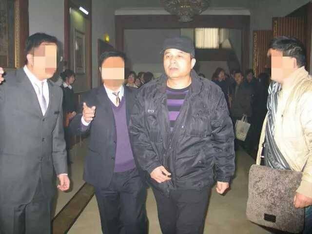 毕福剑登台演出模仿崔永元和李咏传言已久的复出就要成真?_七星