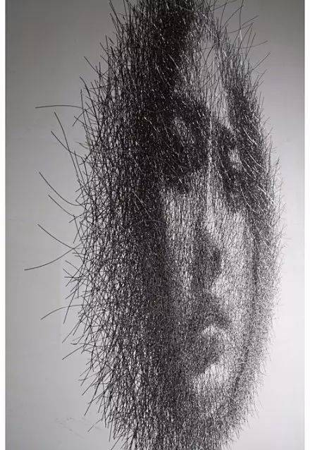 【铝导线组合而成的人体】韩国艺术家seung mo park