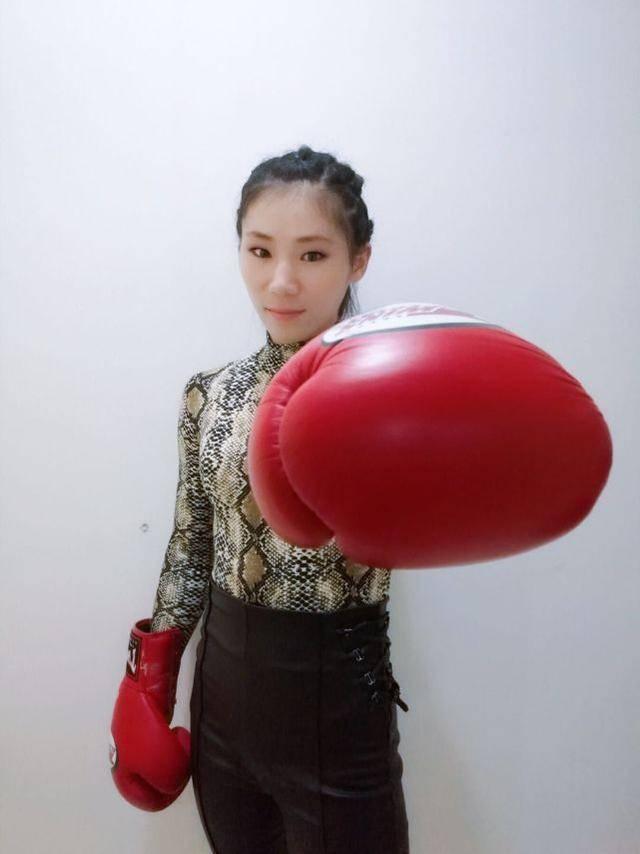 邹市明一龙双双跌下神坛,抗击日本泰国要靠这位山东姑娘
