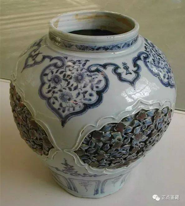 元代青花釉里红镂雕盖罐, 大英博物馆藏