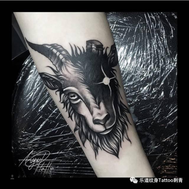 十二星座之——摩羯座纹身图片