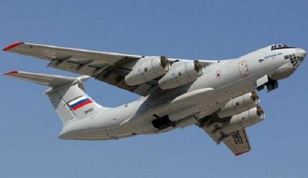 伊尔476重型�:/���._俄罗斯伊尔-476保留机头玻璃窗,彰显一关键系统落后运