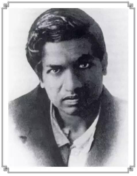 拉马努金出生于印度,作为数学史上最具传奇色彩的天才之一,尽管没