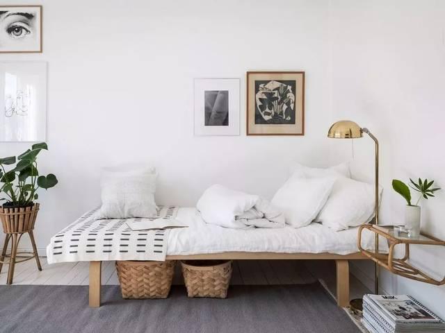 也不会感觉单调 木地板和家具 利用木头质感的原始色彩 都是北欧风格