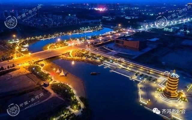 一幅关于美丽齐河的_航拍齐河:大清河初冬夜景,水天相接,夜色阑珊,宁静安详