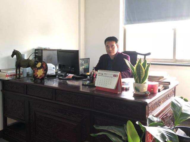 2009年,吕茂龙怀揣着东拼西凑操作的30万元本金,在上海借来了激光小一家干涉仪创办方法图片