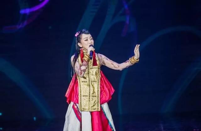 萨顶顶演唱会_鲁健,刘和刚,颜丹晨,萨顶顶与您相约《记住乡愁》第四季开播晚会