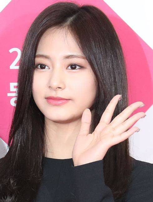 亚洲100最美面孔_2017年全球最美100张面孔榜单出炉!亚洲第一美竟然是她!