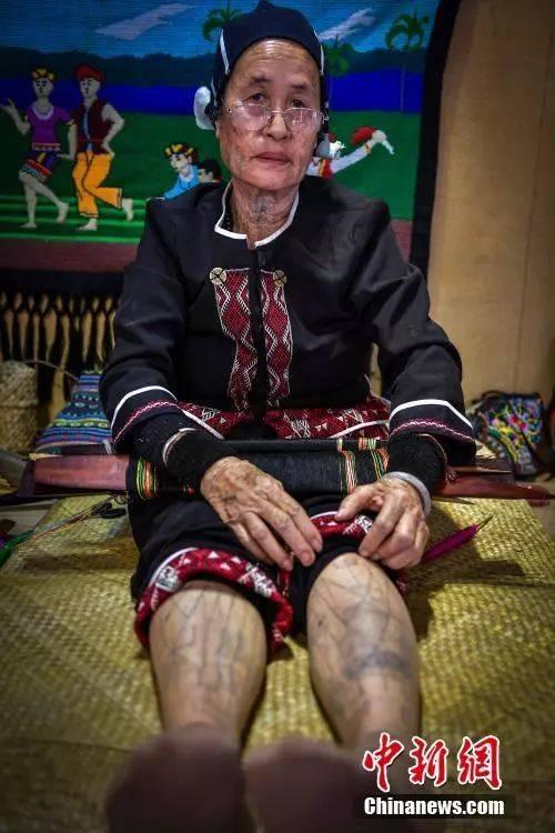 海南黎族文身即将消失 作为装饰至今保存3000年图片