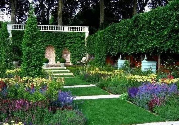 【现代简约欧式风格】 欧式风格更为明朗, 植物颜色也较为单一.