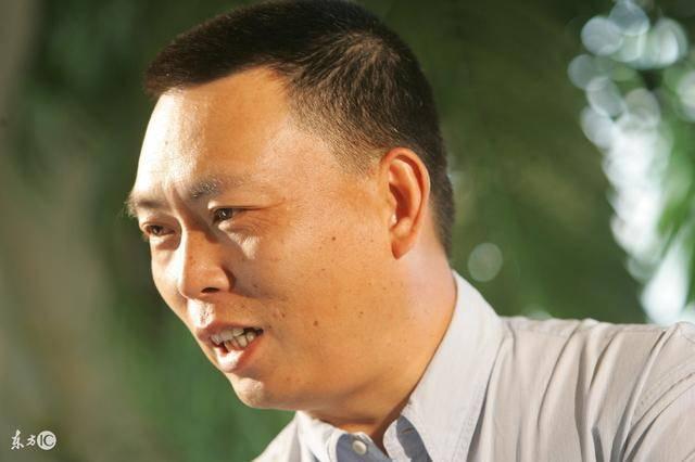港媒:中国近6成富豪不想移民?那大部分富豪明星们移民是为啥?
