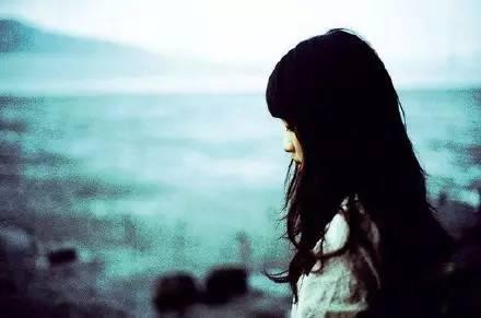 请疼惜爱流泪的女人
