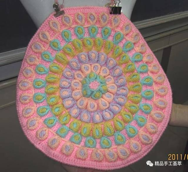 美到不像話·多款孔雀花樣的圓形坐墊的鉤法圖解圖片