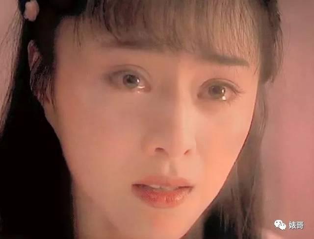 这泪盈于睫,要落不落,突然破涕为笑眼波流转的样子,真的是梨花带雨图片