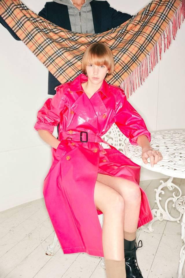 粉红色小女生逼逼_今年的寒潮,把街拍的女明星们都逼成了什么样?