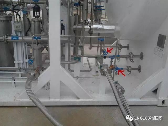 紧急切断阀也叫气动阀,通过压缩空气驱动,通过远程控制,由电磁阀控制图片