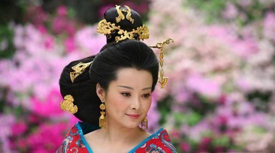 电视剧《母仪天下》中,汉成帝后妃班婕妤结局如何?