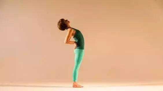 过年通宵打麻将腰酸背痛,6个瑜伽体式帮你缓解哦!图片