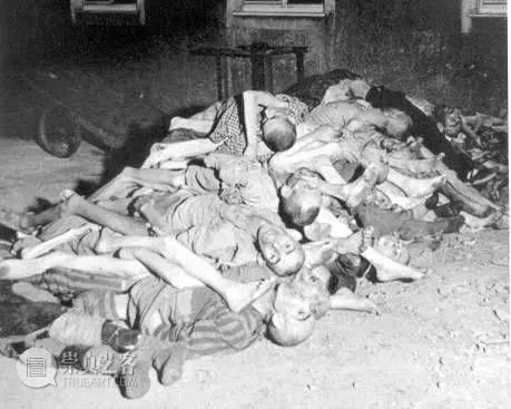 在希特勒浴池中洗过澡,二战前线唯一女战地摄影师